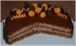 Ořechový dort s čokoládovým krémem – průřez