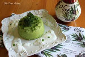 Brokolicový flan s křenovou omáčkou