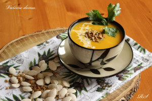 Polévka z máslové dýně