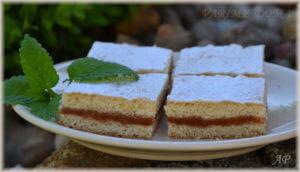 Rychlý koláč s meruňkovou marmeládou