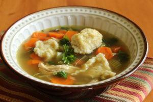 Kuřecí polévka s noky