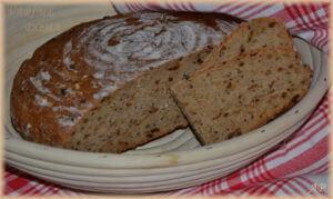 Cibulový pšenično-žitný chléb