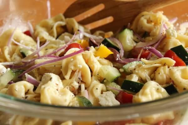Salát z ravioli