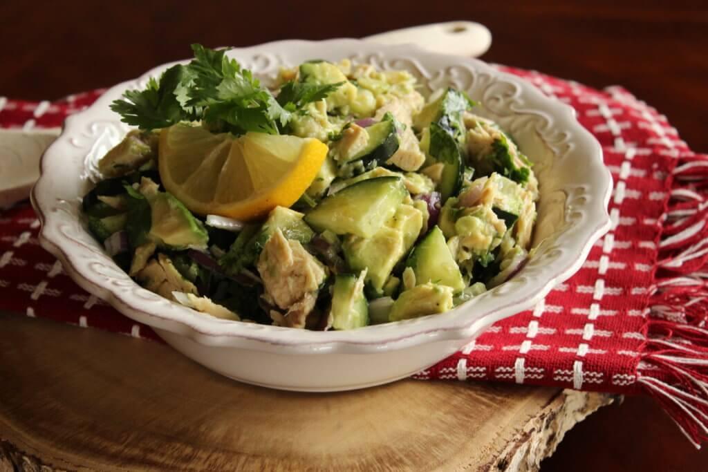 Avokádový salát s tunou